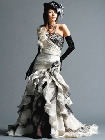 gothicsteampunkweddingdress2.jpg