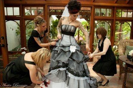 gothicweddingdressblackandwhitedetail.jpg
