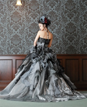 grayweddingdressgothic3.jpg
