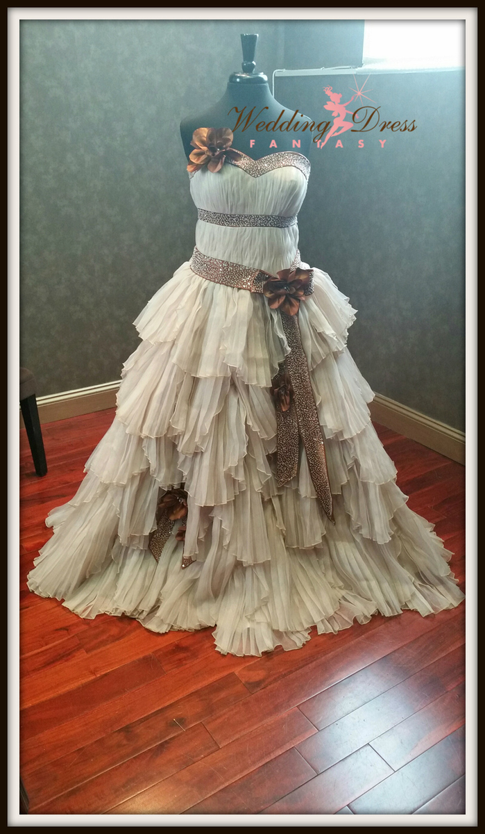 steampunkweddingdress1.jpg